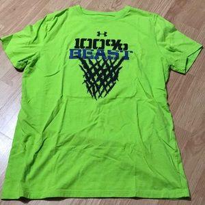 Under Armour Boys athletic tee shirt size XL